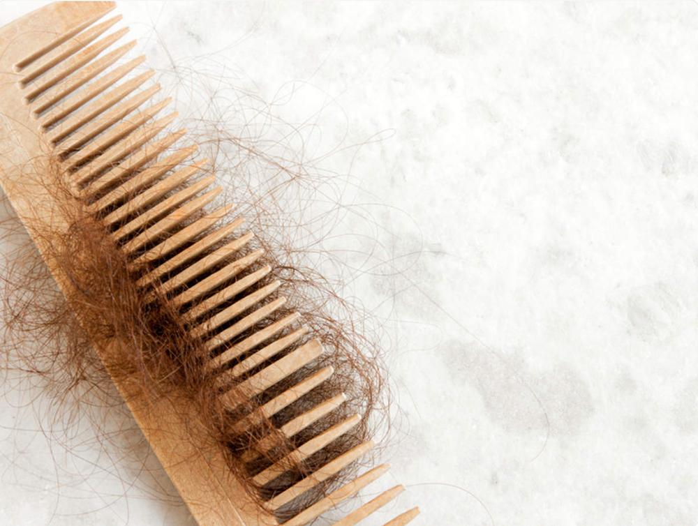 tóc rụng do sử dụng dầu gội không phù hợp