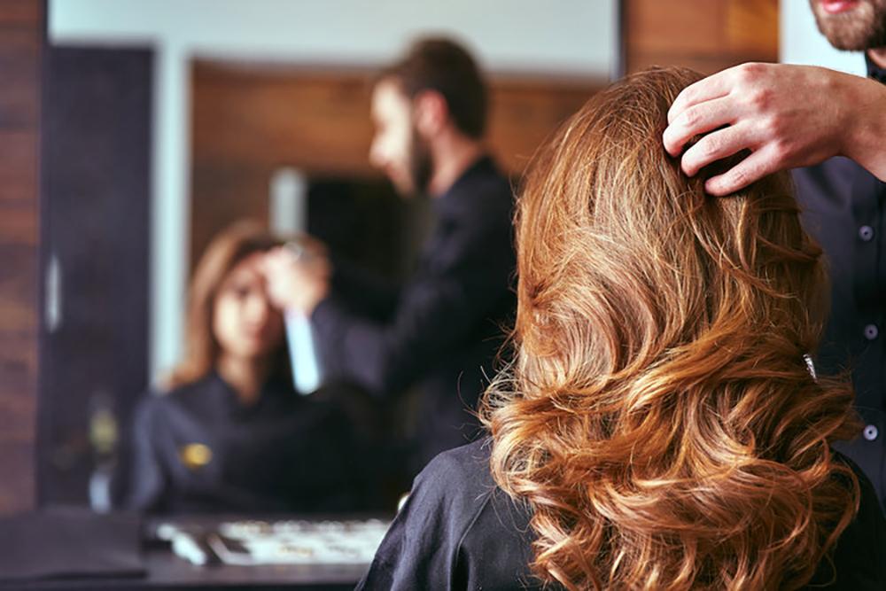 tóc rụng do uốn nhuộm